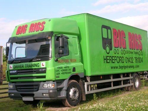 DAF CF 65.250 g/p. 11 tonn , furgon 53 m3, vorota,spalnik. camião furgão
