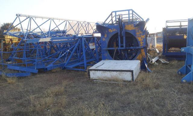 POTAIN 775 A opcion base y jaula de telescopaje grua de torre