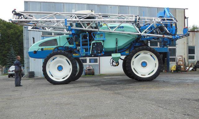 BERTHOUD BOXER 4000 pulverizador automotor