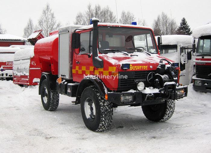 MERCEDES-BENZ Unimog U-1300 4x4 WD carro de bombeiros