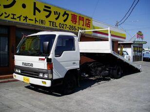 caminhão de reboque MAZDA Titan