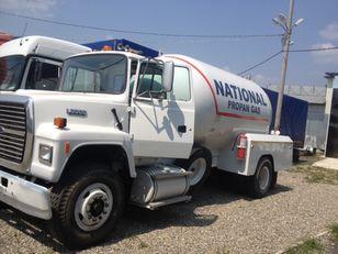 caminhão-tanque gás FORD l8000