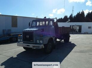 camião basculante VOLVO N7 20 left hand drive 16 ton 3 way full springs