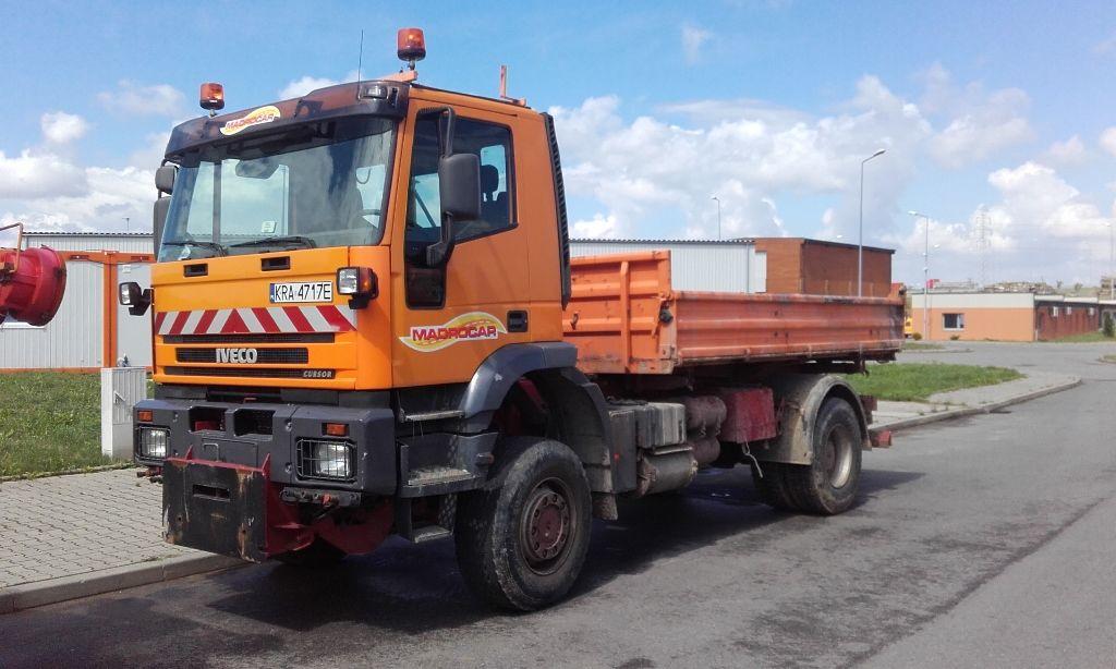 IVECO Trakker  camião basculante
