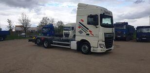 camião de contentores DAF XF 106