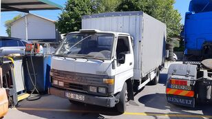 camião de toldo TOYOTA Dyna 150