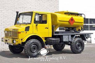 camião de transporte de combustivel MERCEDES-BENZ UNIMOG 1300