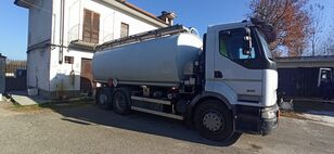 camião de transporte de combustivel RENAULT