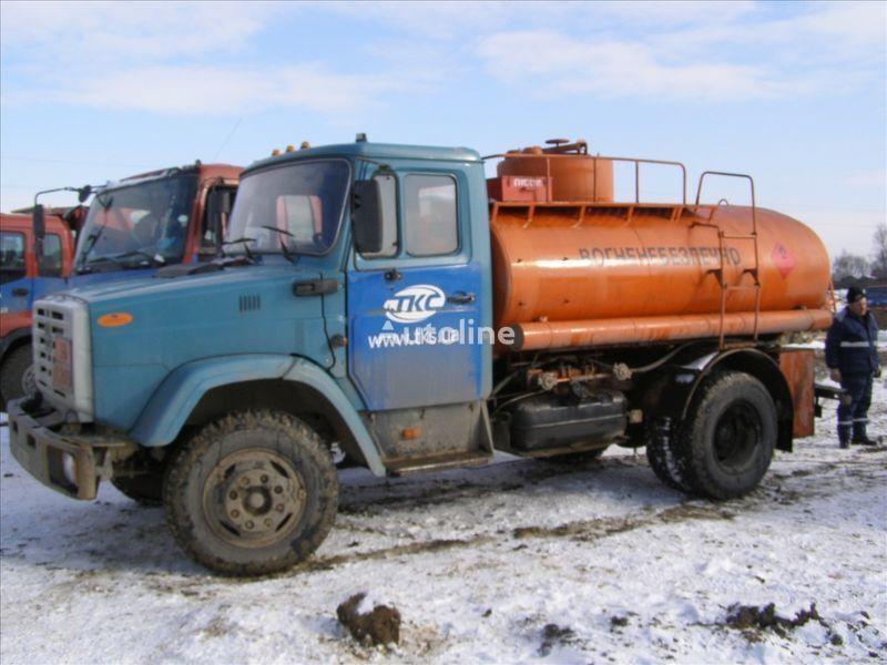 ZIL 4310 camião de transporte de combustivel