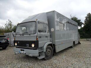 camião de transporte de gado VOLVO F612 pro přepravu koní