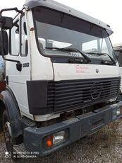 camião de transporte de leite MERCEDES-BENZ 18-28