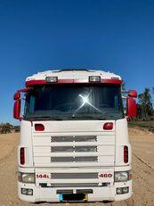 camião plataforma SCANIA R144 460