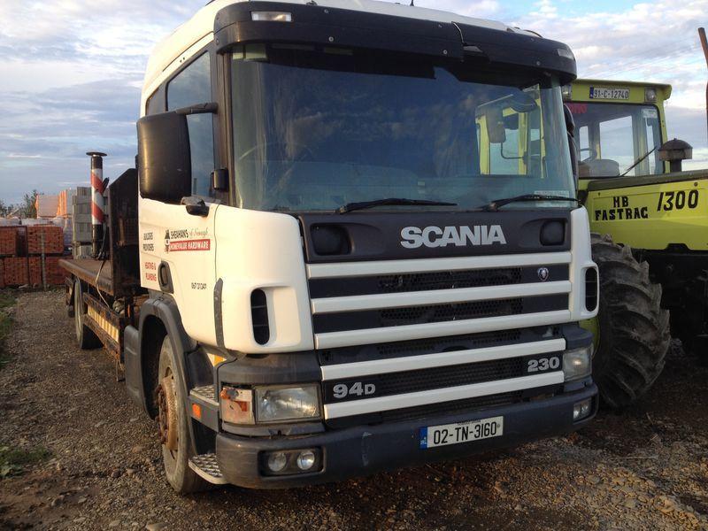 SCANIA 94D camião plataforma
