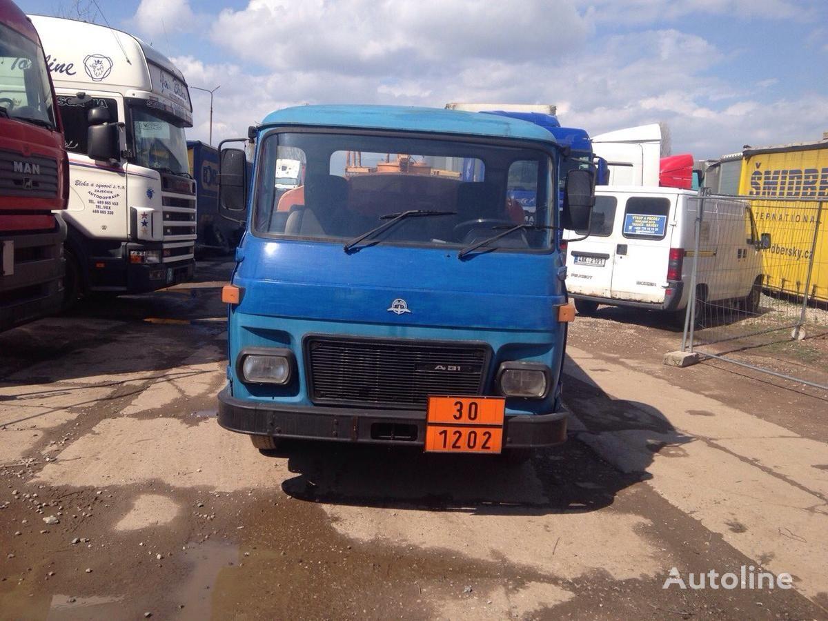 AVIA SPECIÁLNÍ AUTOMOBIL camião-tanque