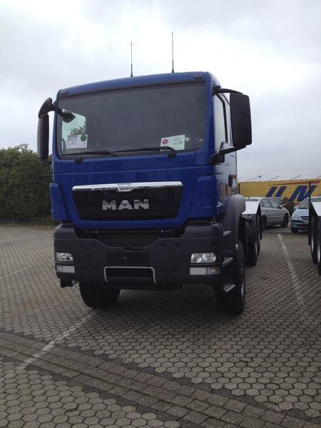 MAN TGS 33.480, 6x6, EUR 3 camião tractor novo