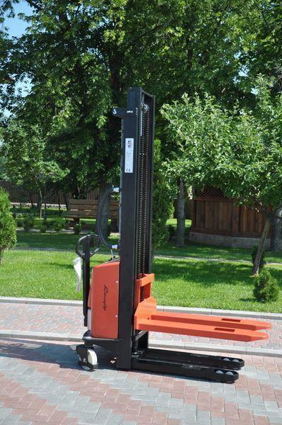 Leistunglift SPM1535 stacker