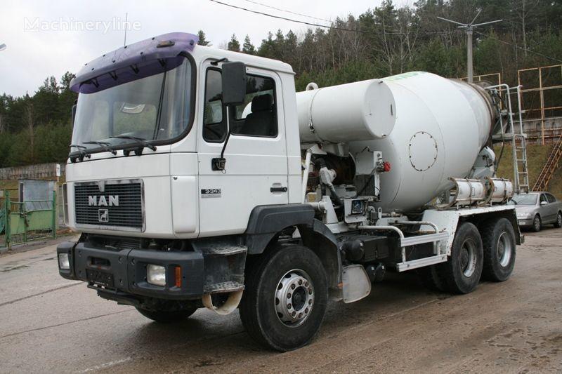 MAN 33.343 camião betoneira