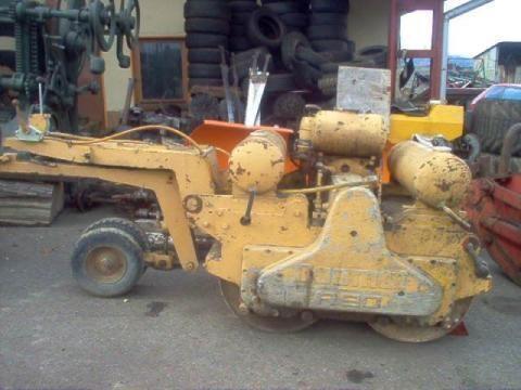 DUOMAT R 90 compactador pequeno de asfalto