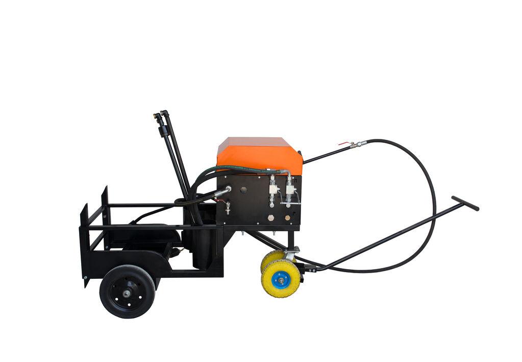 distribuidor de asfalto Ticab BS-200 novo