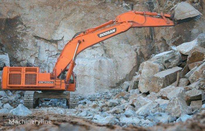 DOOSAN DX 700 escavadora de lagartas