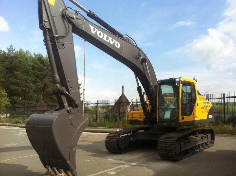 VOLVO EC210B escavadora de lagartas novo