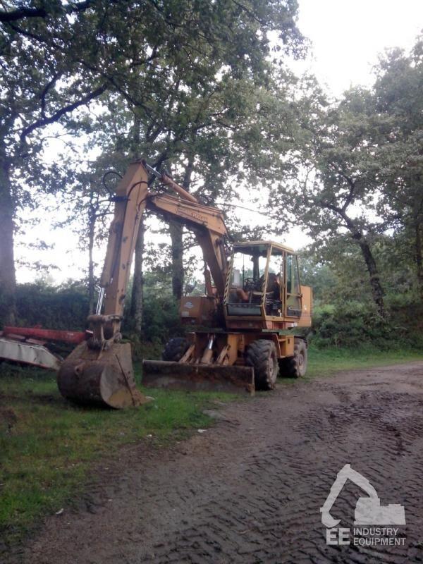 CASE  POCLAIN 688 B escavadora de rodas