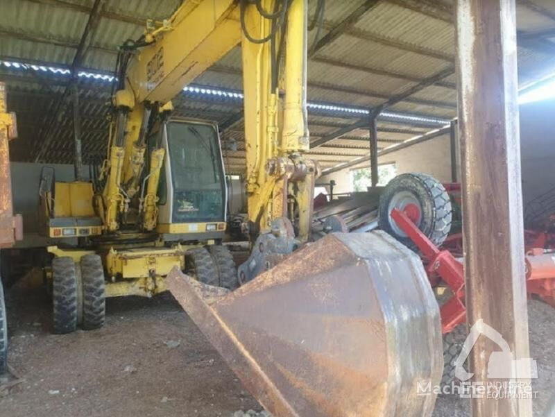LIEBHERR A 902 LITRONIC escavadora de rodas