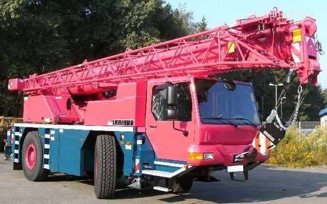 LTM 1030-2.1 no chassi LIEBHERR LTM 1030-2.1 grua móvel novo