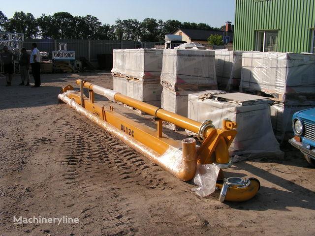 Strela dlya podachi betona (betonorazdatchik). Italiya maquina para colocar betão novo
