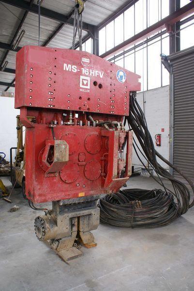 Vibropogruzhatel Muller M16HFV i Power pack MS-A260  outros equipamentos de construção