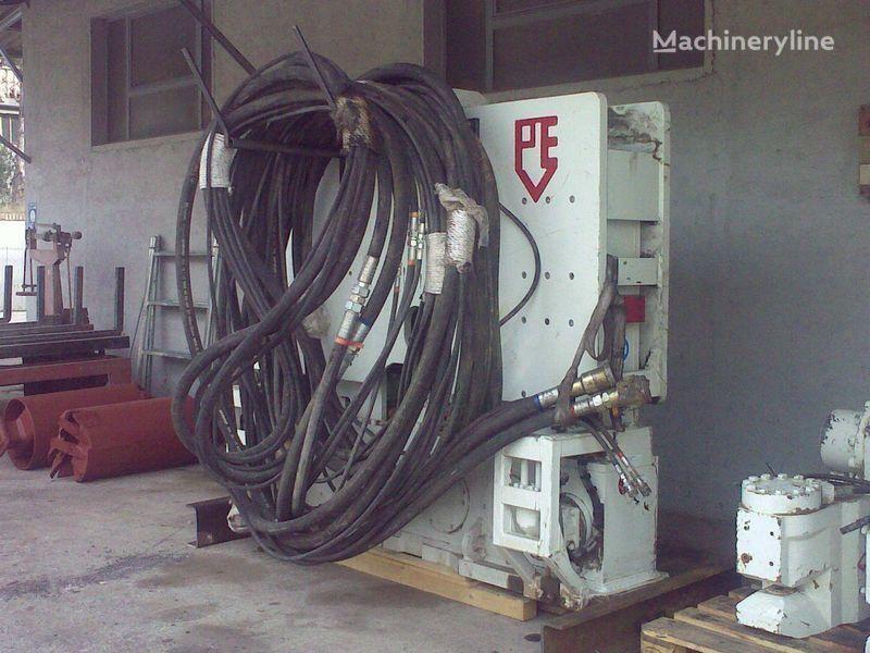 Vibropogruzhatel  PVE25 M + power unit PVE 480. outros equipamentos de construção