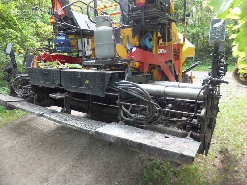 DYNAPAC F8-4W pavimentadora de rodas