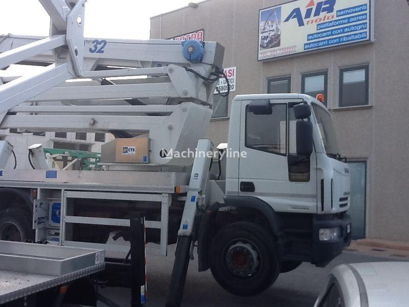 IVECO eurocargo CTE Zed 32  32mt plataforma sobre camião