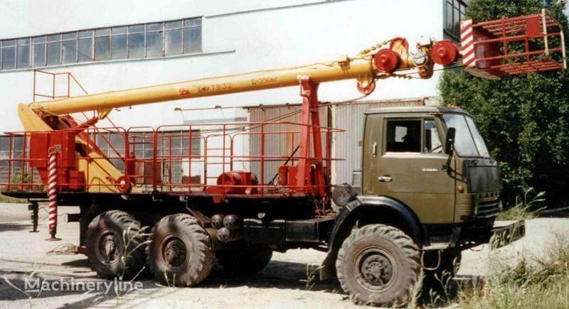 KAMAZ TV-32 plataforma sobre camião