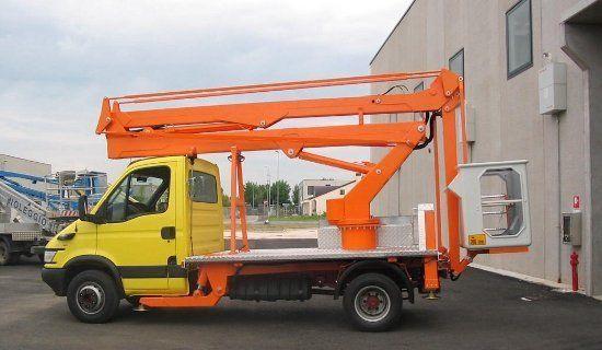 TECCHIO plataforma sobre camião novo