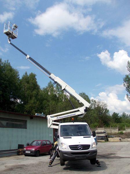 TECCHIO  SAFI  - SCA22 plataforma sobre camião novo