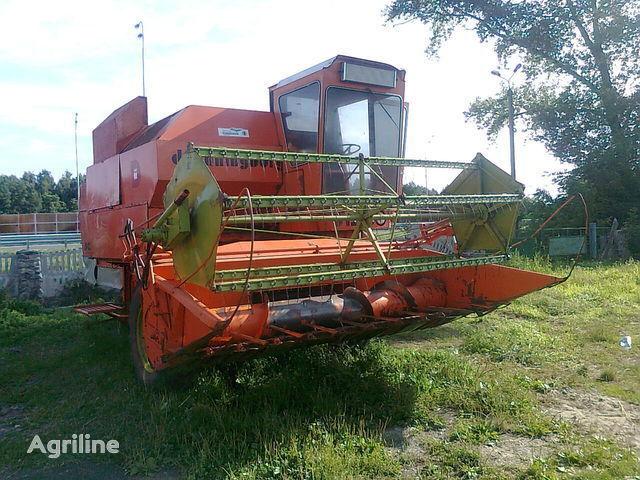 DRONNINGBORG D 1250 ceifeira-debulhadora