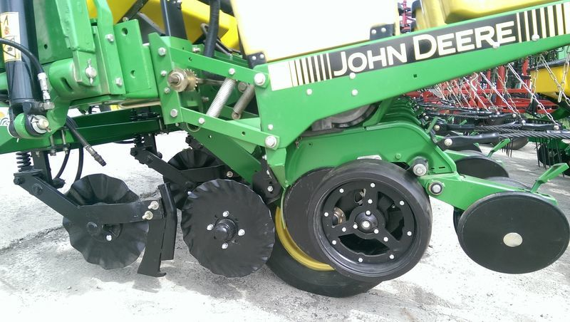 JOHN DEERE 7200 No Till  novaya semeador monogrão pneumático