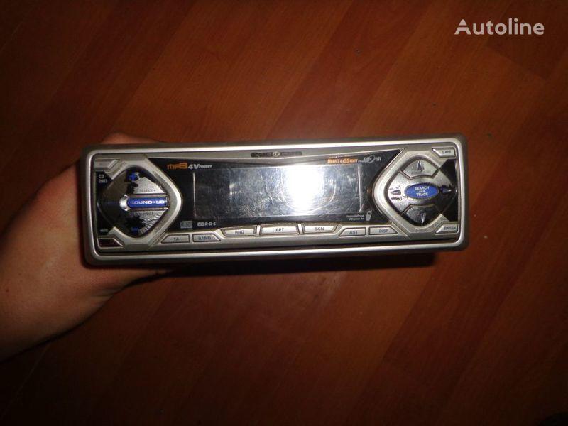 VDO Ayton. 12V. CD auto-rádio para camião tractor