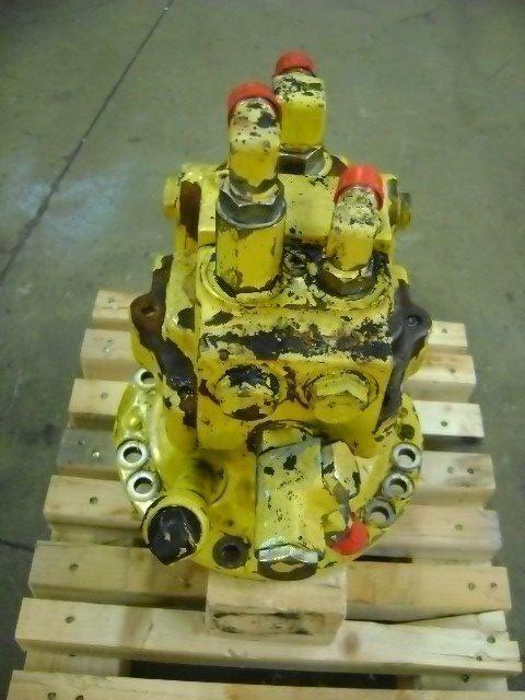 Motore di rotazione engrenagem rotativa para KOMATSU PW 130 escavadora
