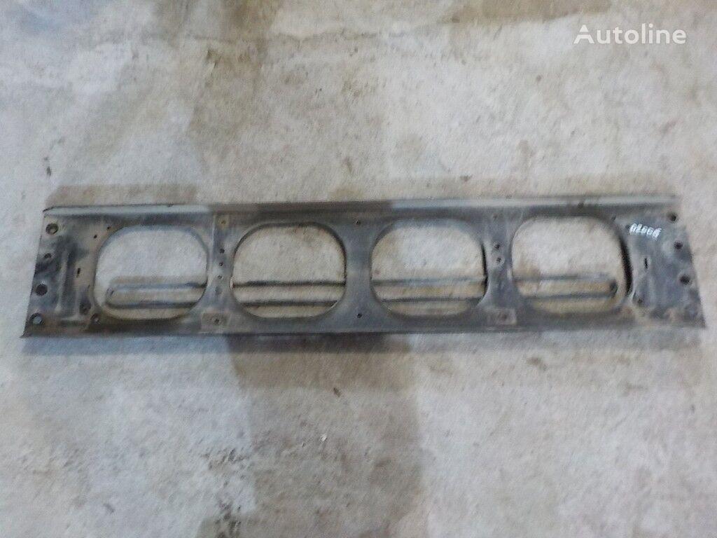 Poperechina perednyaya ramy-kronshteyn reshetki radiatora Volvo fixadores para camião