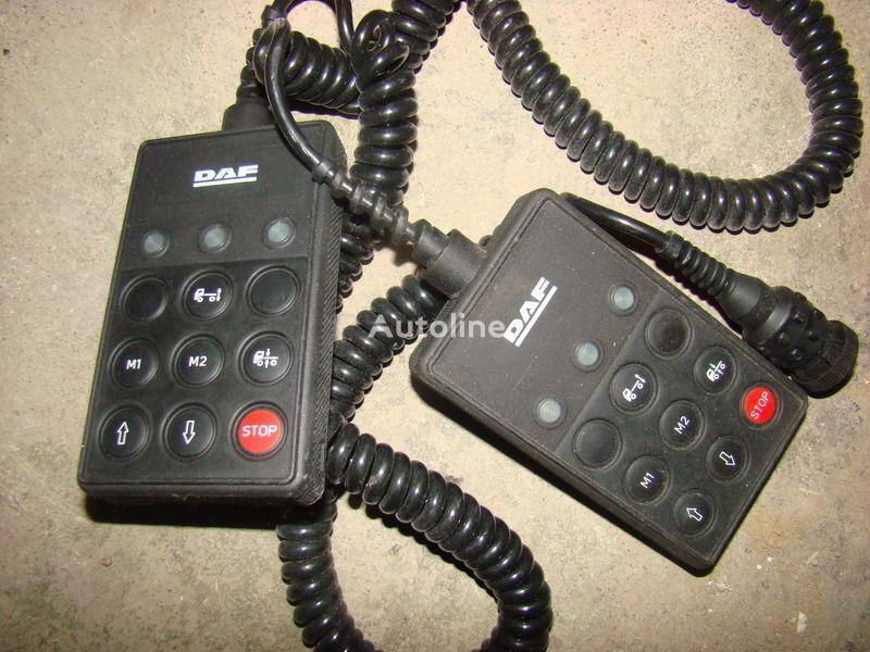 DAF 105XF remote control ECAS 1337230; 4460561290, 1657854, 1659760, 1669461, 1686733, 1690391, 1732019, 1780197, 1780200, 1792640, 1848360, 1851259, 1851261, 1851747, 1898313, 1898316, 1898317 painel de instrumentos para DAF 105XF camião tractor