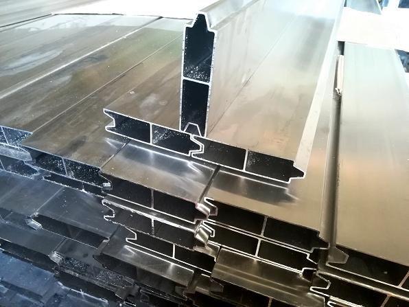 peças sobressalentes Deski burtowe do naczep drewno aluminium profile boczne KRONE para semi-reboque