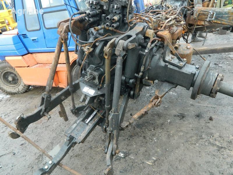 b/u zapchasti / used spare parts NEW HOLLAND peças sobressalentes para NEW HOLLAND T7030 trator