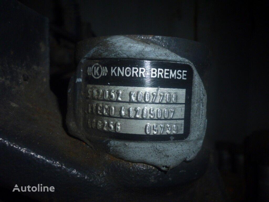 tormoznoy levyy IVECO pinça de travão para camião