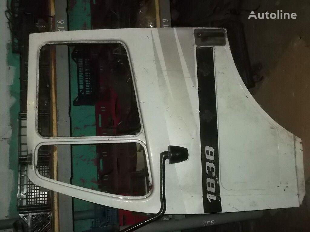 perednyaya LH Mercedes Benz porta para camião