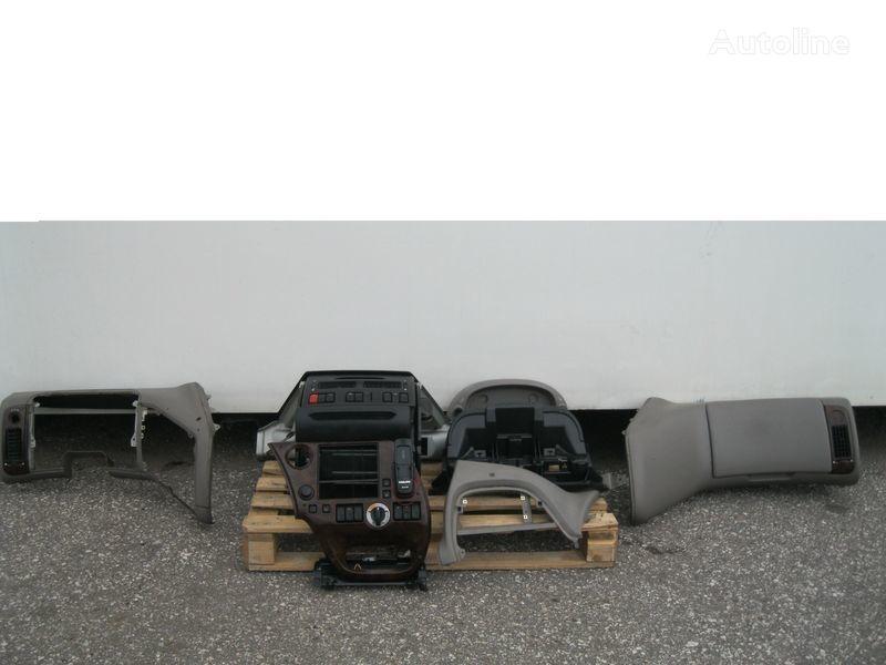 PRZEKŁADKA PRZERÓBKA KABINY Z ANGLIKA revestimento para DAF XF 105 camião tractor