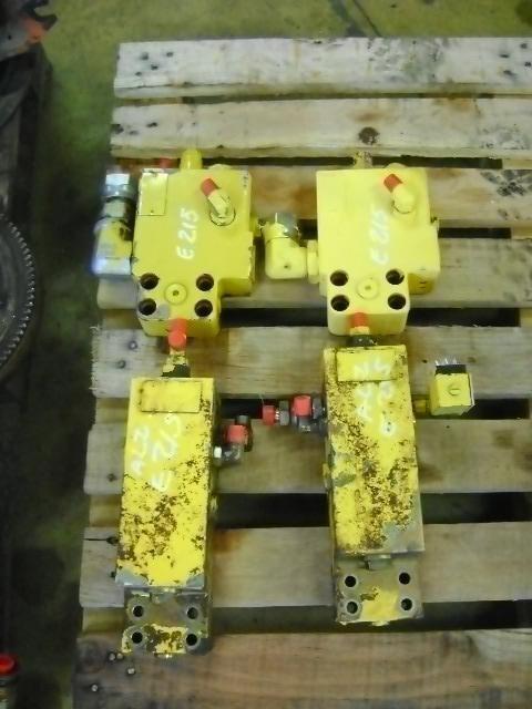 Block Valve válvula para NEW HOLLAND E 215 escavadora
