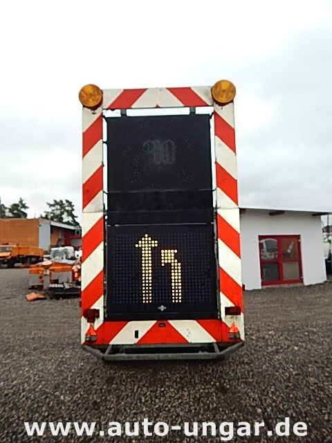 SCHMITZ Schiffner &amp Verkehrsleittafel LED reboque caixa aberta