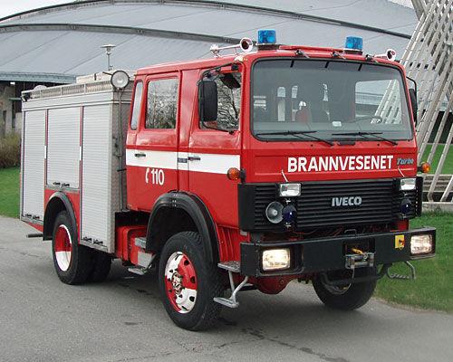 IVECO 80-16 4x4 WD auto-tanque de bombeiros